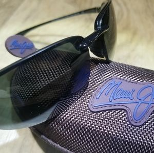 Brand New, Never Used!  Maui Jim Hookipa 407-02!